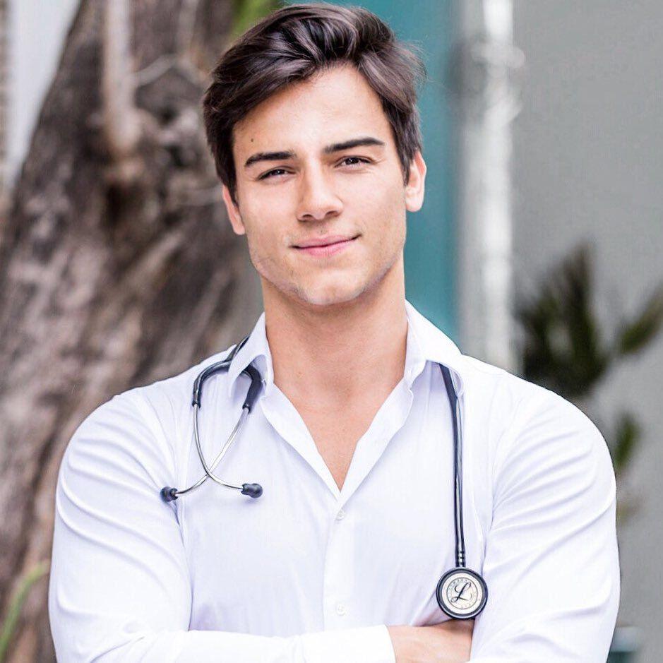 bác sĩ đẹp trai Gabriel Prado 2 |TOPMOST.VN