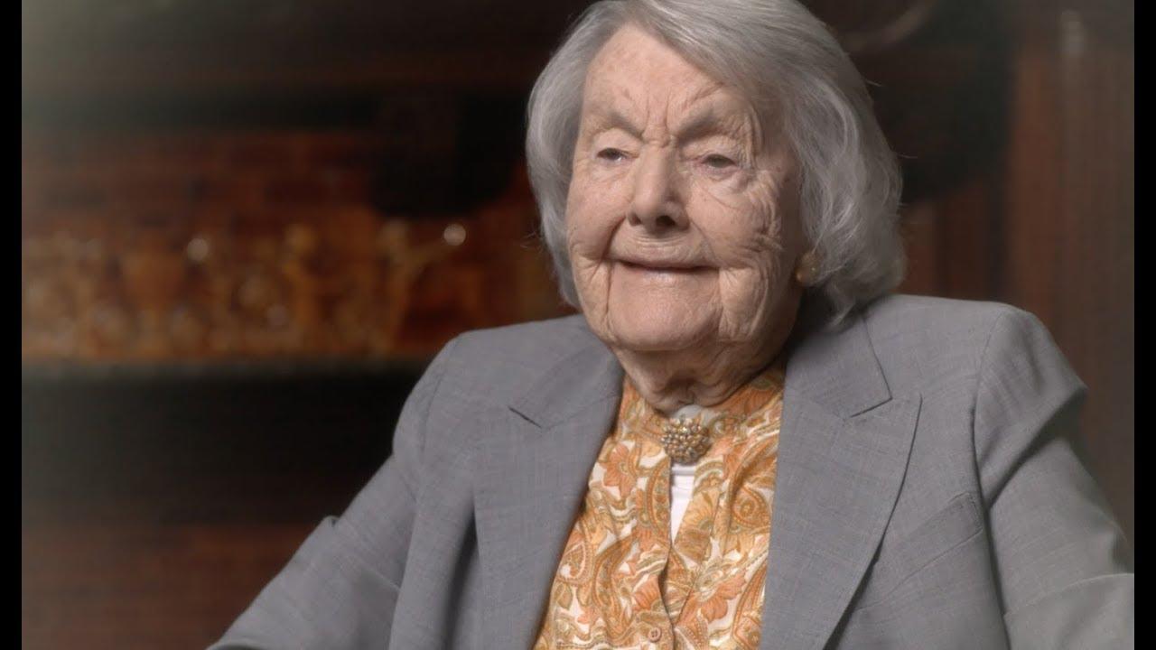 Dr. Audrey Evans   nữ bác sĩ