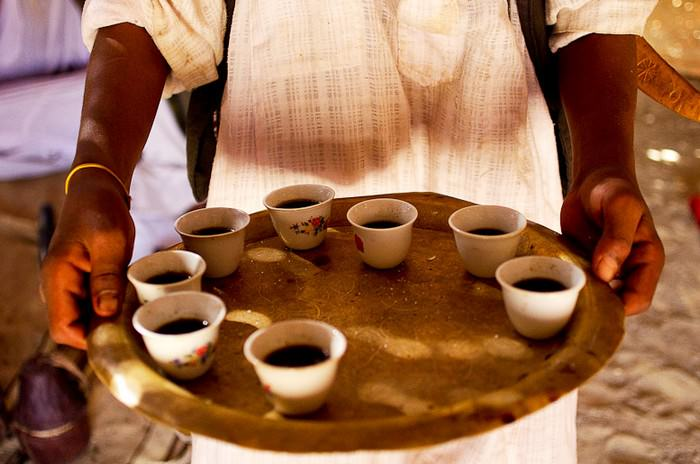 nghi thức Complicated coffee etiquette  TOPMOST.VN