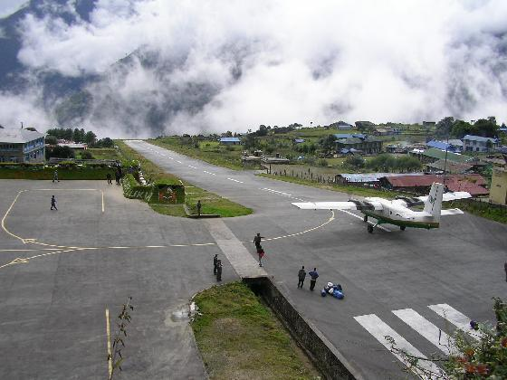 Sân bay Lukla Airport in Nepal  TOPMOST.VN
